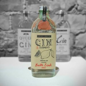 Gin and Tonic Bath Soak. A bath soak made with natural ingredients in a medicine bottle. A lovely gift.